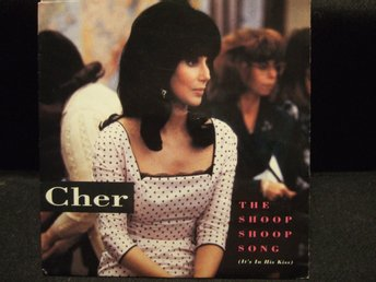 45 - CHER. The Shoop Shoop Song (It´s in his kiss)/Baby i´m yours. 1990
