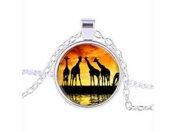 HAlssmycke AFRIKA giraffer savann necklace halsband giraffs - Ljusne - HAlssmycke AFRIKA giraffer savann necklace halsband giraffs - Ljusne