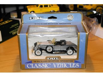 Packard Boattail Speester 1930  ERTL (1:43)