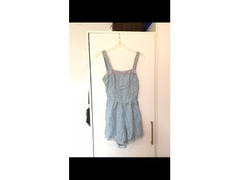 hollister playsuit jeans S
