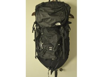 the north face casimir 36L outdoor bag