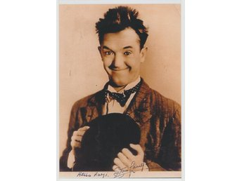 STAN LAUREL of LAUREL & HARDY PRE-PRINTED AUTOGRAF FOTO
