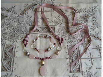 lotta djossou pärlhalsband med väska
