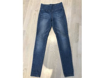 Damjeans strl M Pieces