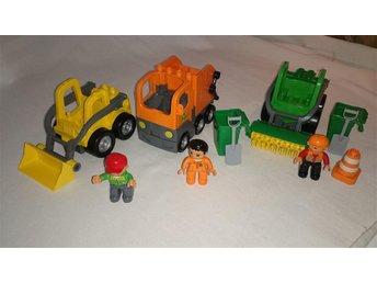 3x LEGO DUPLO Sopbil, Gatsopare, Grävare Bobcat - Bunkeflostrand - 3x LEGO DUPLO Sopbil, Gatsopare, Grävare Bobcat - Bunkeflostrand