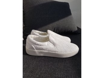 Duffy slip on sneakers NYA storlek 35