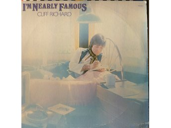 LP - Vinyl - Cliff Richard - I'm Nearly Famous  - 1976