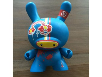Kidrobot 8 inch Dunny. Doma blue version