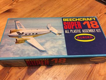 Aurora Beechcraft Super 18.     1/88