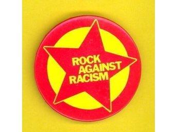 ROCK AGAINST RACISM -Badge/ Pin/ Knapp (2,5 cm) Clash, TRB, Reggae, Punk, - Falkenberg - ROCK AGAINST RACISM -Badge/ Pin/ Knapp (2,5 cm) Clash, TRB, Reggae, Punk, - Falkenberg