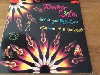 DEEE-LITE - GROOVE IS IN THE HEART - 12""