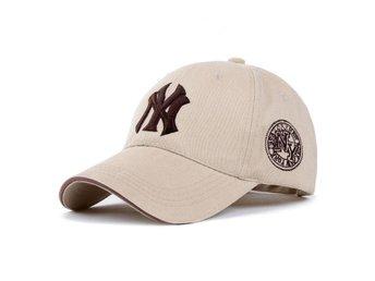 2 st NEW YORK YANKEES keps enl.bild - åkers Styckebruk - 2 st NEW YORK YANKEES keps enl.bild - åkers Styckebruk