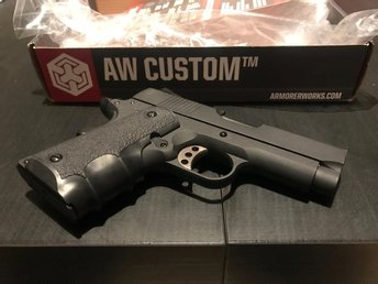 AW Custom NE10 Series 1911 Officer Size Gas Blowback Helt ny