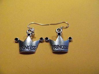 Prinsessa örhängen / Princess earrings