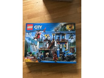 Lego city mountain police headquarters 60174 100 % komplett