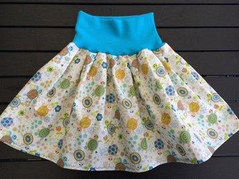 Fin kjol i bomull sköldpaddor 110-116 cl - Nässjö - Fin kjol i bomull sköldpaddor 110-116 cl - Nässjö