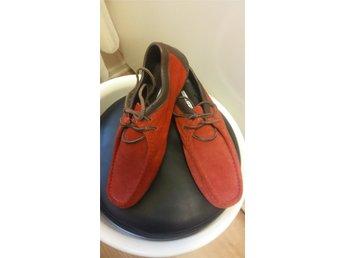 808a5a1a35d Tommy Hilfiger skor st 39,äkta mocka/skinn,nya/oanvända.