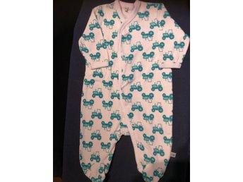köper nytt köpa bäst senaste rabatt Vit pyjamas med fot, knäppning, motiv av grön t.. (375525341) ᐈ ...