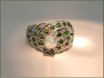 RING m ÄKTA CHROME DIOPSIDE/FIRE OPAL I STERLING SILVER...