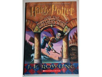 Ny oläst HARRY POTTER AND THE SORCERERS STONE J K Rowling Tryckt 1999