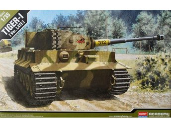 Academy 1/35 Tiger I Late Production - Skoghall - Academy 1/35 Tiger I Late Production - Skoghall