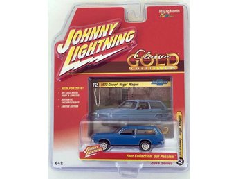 1972 Chevrolet Vega Wagon 1/64 Johnny Lightning blå