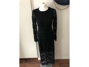 svart spetsklänning kappahl