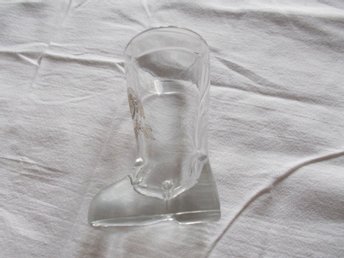 Glas Mack öl i form av en sko/stövel, Glass boot shaped design beer vodka