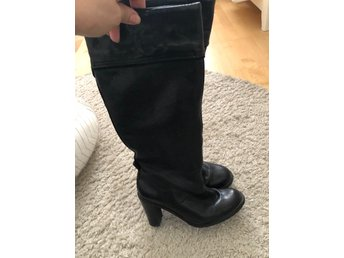 TREND svarta bootsstövlar Levis
