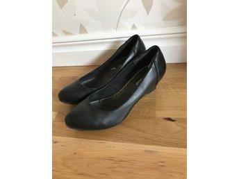 Pumps , högklackat , high heels , skor från Nel.. (358090788