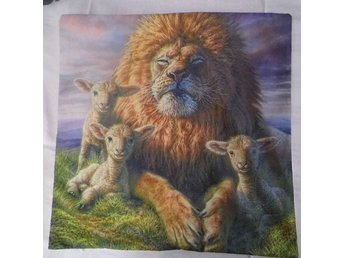 Lejon och Lamm Kudde / Lion and Lambs Cushion Cover