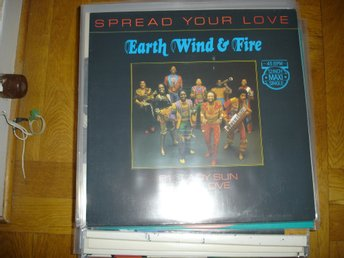 """12"" - Earth Wind & Fire - Spread Your Love"
