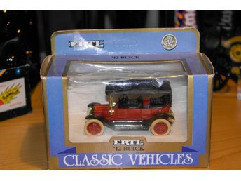 Buick 12 (1:43 ) ERTL classic vehicles
