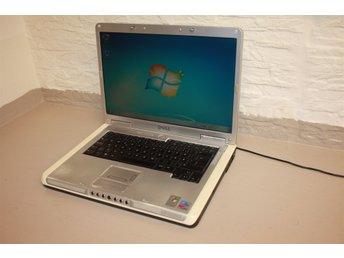 Javascript är inaktiverat. - Farsta - Bärbar dator DELL Inspiron 6000 fungerar bra. Processor: Intel Pentium M Processor 1.60Ghz. Minne:1GB. Hårddisk:60GB. DVD/CD-RW. OBS: *Saknas laddare och program. *Batteriet slut. ___________________________ Se även våra övriga auktioner ..  - Farsta