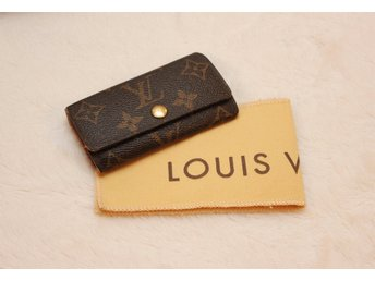 Louis Vuitton 4 Key Holder Monogram Canvas (LV Nyckelhållare Pochette)
