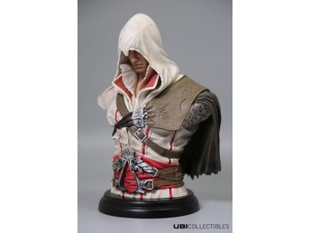 Assassin's Creed II Legacy Collection Statue Ezio Auditore 18 cm