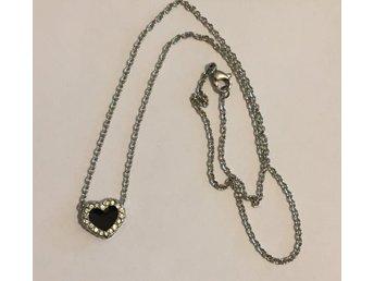 tunt stål halsband med strass hjärta - Oskarshamn - tunt stål halsband med strass hjärta - Oskarshamn