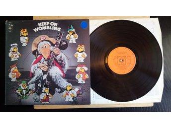 Javascript är inaktiverat. - Sundbyberg - Keep on Woombling Vinyl Kolla in mina andra annonser Köparen betalar extra för sändningen utanför Sverige - Sundbyberg