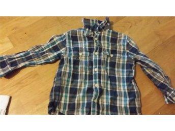 Fin flanell skjorta strl 104 mycket fint skick - Bollstabruk - Fin flanell skjorta strl 104 mycket fint skick - Bollstabruk