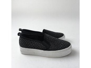 Divided by H&M, Sneakers, Strl: 36, Svart, Skick: Normalt
