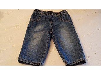 Tuffa, fodrade jeans från BENETtON Strl: 66/9 mnd. - Helsingborg - Byxorna är i perfekt skick! På märkeslappen står det strl. 66 och 9 mnd. 1005 bomull/cotton - Helsingborg