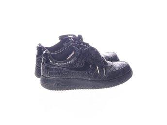 the latest 06a36 6da90 Nike Air Force 1, Sneakers, Strl  40, Ormskinn, Svart