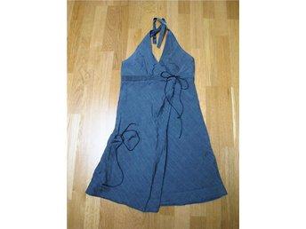 Grå klänning, detaljer, figursydd S/M, Small/Medium, justerbar, kvalite 36/38 - Vällingby - Grå klänning, detaljer, figursydd S/M, Small/Medium, justerbar, kvalite 36/38 - Vällingby