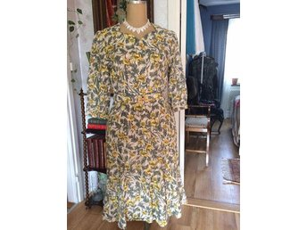 Vintage, retro, 50-tal. 60-tal, blommig klänning - Skene - Vintage, retro, 50-tal. 60-tal, blommig klänning - Skene