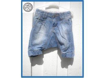 Kids denim by Lindex jeans turkbyxa cool design s 86 Utmärkt skick - Västra Frölunda - Kids denim by Lindex jeans turkbyxa cool design s 86 Utmärkt skick - Västra Frölunda