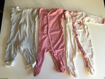 Javascript är inaktiverat. - Karlskoga - 3st pyjamaser i fint använt skick. Storlek 68. Kolla gärna in övriga annonser,, samfraktar! - Karlskoga