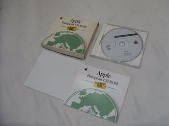 Chronicle of the Year 1987 Apple European CD ROM Made in West Germany Svensk