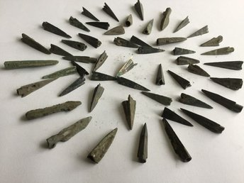 OLD  Celtic/Scythian tri-lobed socketed arrowheads - 20-40 mm (50)