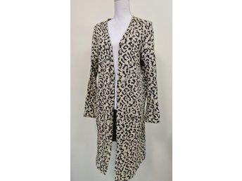 lång kofta leopard