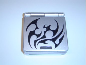 Nintendo Gameboy Advance SP GBASP Basenhet Konsol Tribal Silver + laddarkabel